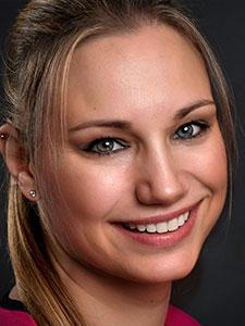 Dr. Janine Hallensleben